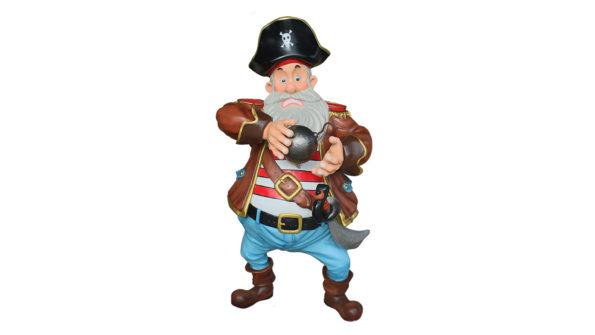 Pirate w/canonball